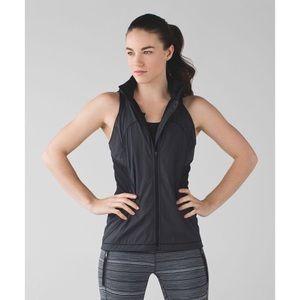 Lululemon. 5 Mile Vest Black size 12 hood pockets